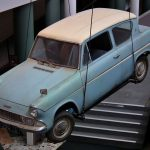 Ford_Anglia_105E_Deluxe_sedan_-_Harry_Potter_Flying_Car