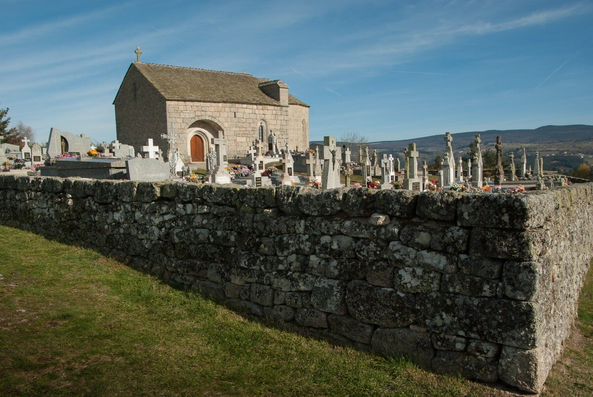 france_loz_re_cemetery_graves_chapel-1271531