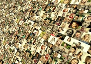 photo_montage_faces_photo_album_world_population_media_system_network-reviews